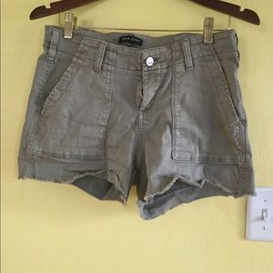 Khaki stretch cutoff shorts | size 29 | Dear John